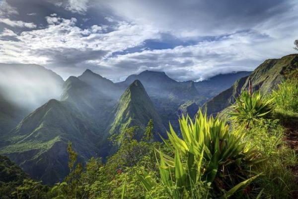 Gorgeous view of Reunion's mountainous landscape